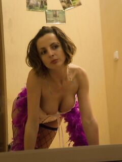 Сексапильная давалка в сексуальном корсете