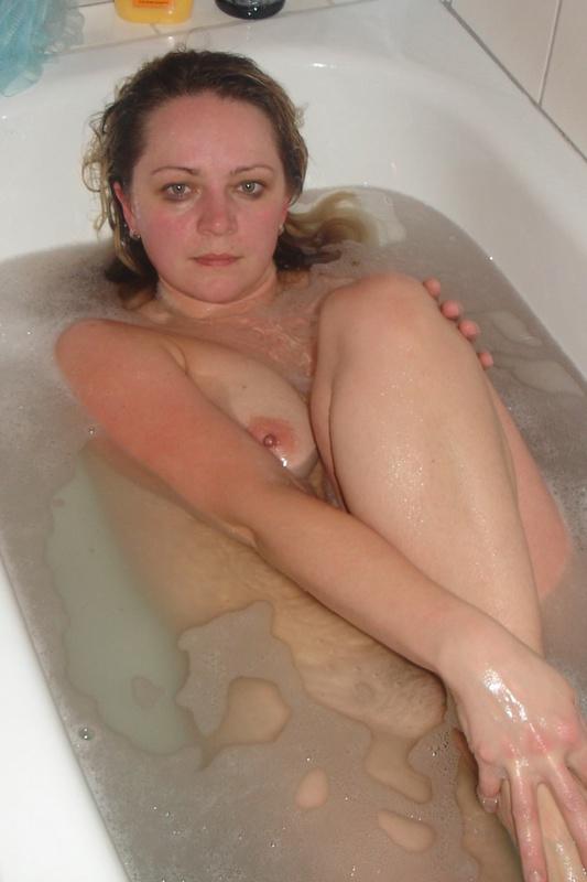Опытная мамзель приняла ванную