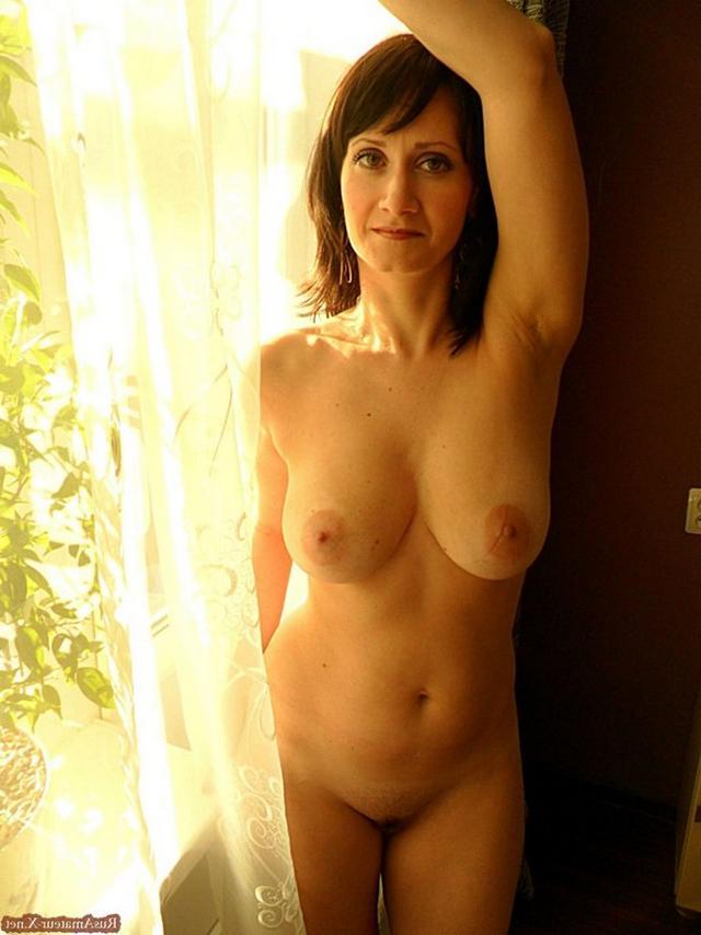 Зрелая Людмила с отличным телом