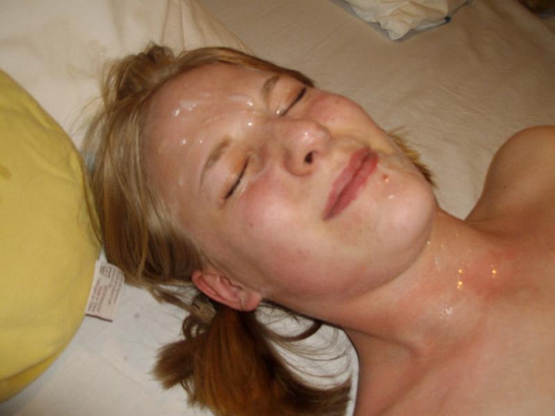 Лицо отвязной практикантки покрыли спермой