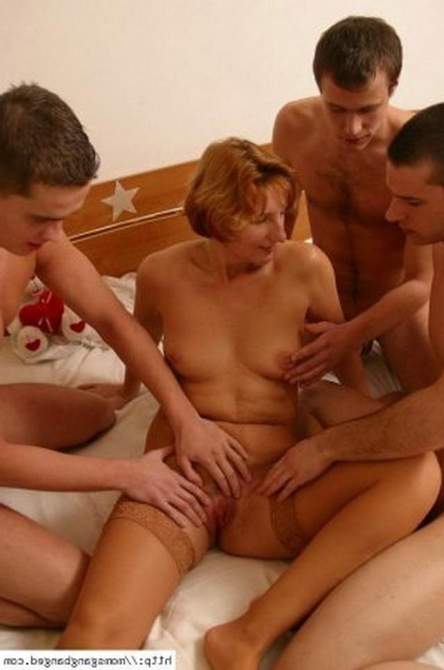 Развели бабушку на групповой секс