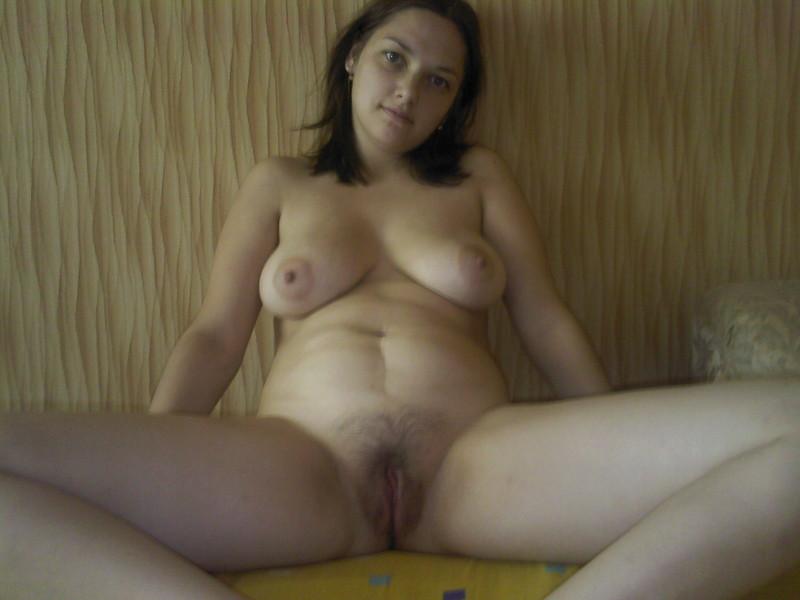 Знойная любовница посмаковала пенисом во рту и показала бидоны