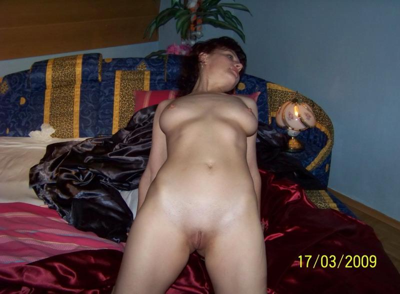 Опытная мамзель готова к страстному сексу