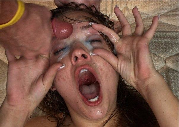 Залили густой спермой лица давалок