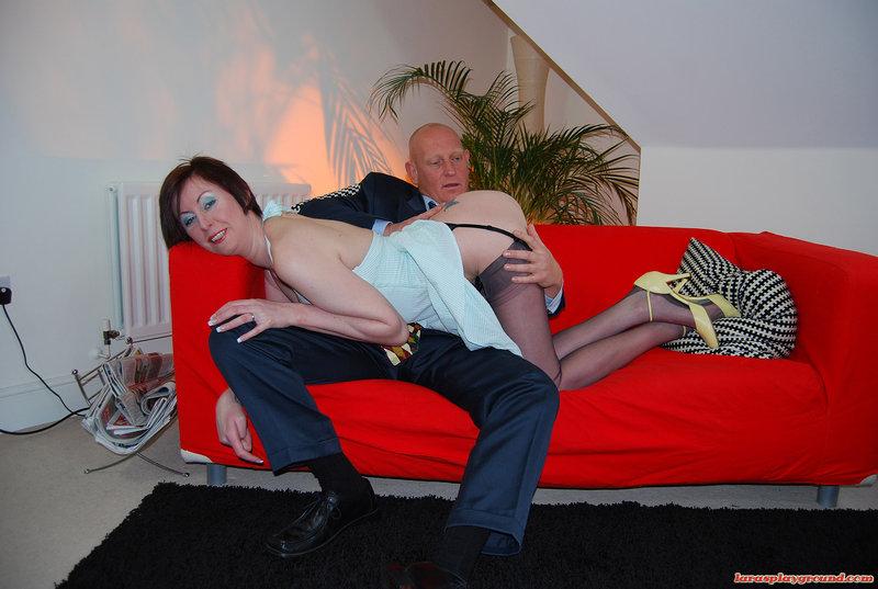 Зрелые любовники активную порку