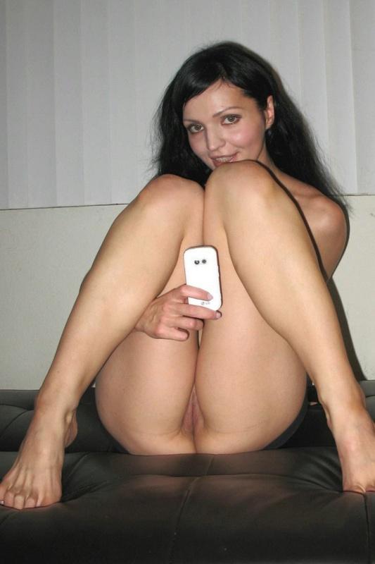 Обнаженное селфи на телефон