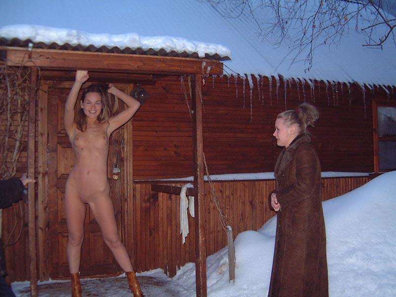 Колхозница без одежды в любой сезон