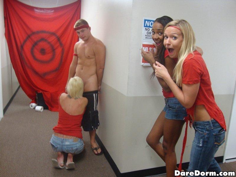 Студенты на вечеринке устроили жаркий перепих